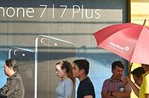 [Hình ảnh] Mở bán iPhone chính hãng ở Viễn Thông A: iPhone 7 Plus đặt hàng gấp 3 lần iPhone 7