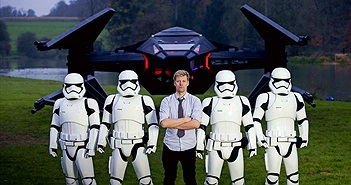 "Fan ""cuồng"" Star Wars chế tạo máy bay chiến đấu từ bom tấn The Last Jedi"