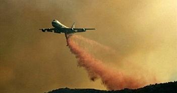 Xem siêu máy bay chứa hơn 75.000 lít chất chống cháy dập lửa từ trên không như thế nào