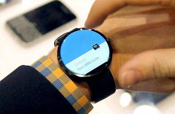 BlackBerry đưa ứng dụng nhắn tin BBM lên Android Wear