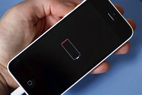 Apple thiếu hụt nguồn pin thay thế cho iPhone 6 Plus