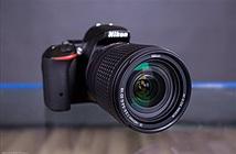 Trên tay máy ảnh DSLR Nikon D5500
