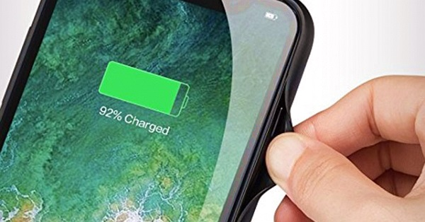 Chọn vỏ bảo vệ tích hợp pin tăng gấp đôi thời lượng pin cho iPhone X