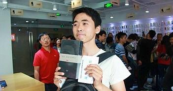 Cảnh người Trung Quốc xếp hàng mua Mi Note Pro như mua iPhone 6