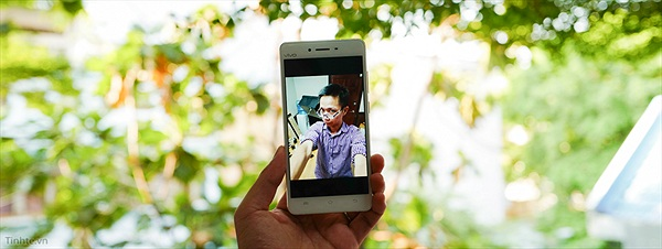 Trên tay Vivo V3Max: SnapDragon 652, 4GB RAM, DAC và Âm-ly riêng