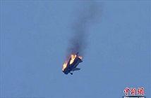 Ảnh thảm khốc máy bay Su-24 của Syria bị bắn hạ