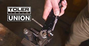 Suốt ngày phải sửa xe cho vợ, ông chồng đảm đang phát minh ra công cụ đa năng siêu tiện lợi