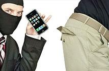 4 kẻ cắp ngang nhiên lấy iPhone và Macbook từ của hàng Apple Store California