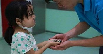 Cô bé mắc bệnh từ chối điều trị và sự thật rớt nước mắt đằng sau