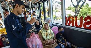 Đổi chai nhựa lấy vé xe buýt, thành phố vừa sạch vừa giảm kẹt xe