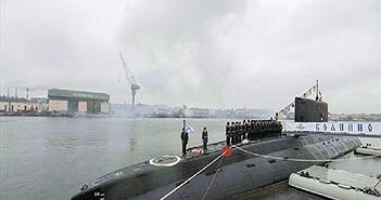 Tàu ngầm Kilo Nga phóng tên lửa hành trình Kalibr trên Biển Đen