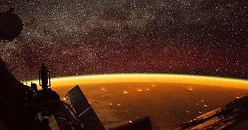 Viền màu cam quái đản xuất hiện trên Trái đất gây sốc