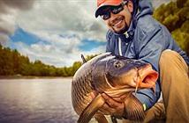 Bắt được thủy quái cá tầm khổng lồ nặng 200kg, dài 3m