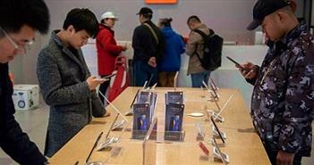 Đã sao chép thiết kế, Xiaomi còn 'ăn theo' chứng khoán Apple