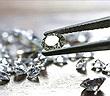Bẻ cong kim cương ở mức độ nano