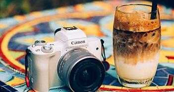 Trên tay máy ảnh không gương lật Canon EOS M50: lấy nét nhanh, quay video 4k