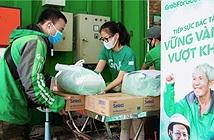 Grab tặng gần 80 tấn gạo và 8.000 thùng mì gói hỗ trợ đối tác tài xế vượt dịch Covid-19