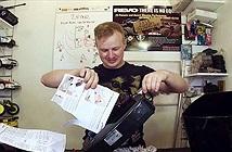 Khi máy hủy tài liệu được nâng cấp vớitốc độ cắt giấy nhanh tới nỗi không kịp quan sát