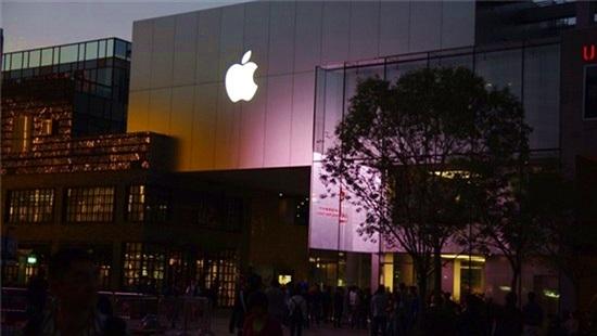 Foxconn sẵn sàng chuyển dây chuyền sản xuất iPhone ra khỏi Trung Quốc nếu cần
