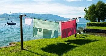 Vì sao quần áo phơi khô tự nhiên trong nắng có mùi thơm tươi mát?