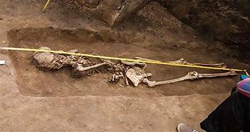 """Phát hiện bộ xương """"phù thủy"""" bị chôn vùi từ 1600 năm trước"""