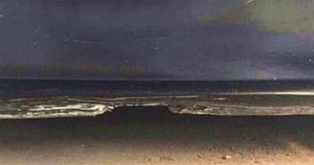 Nhìn vào ảo ảnh này, bạn có nhận ra đây là cửa xe hay một bờ biển sau cơn bão?