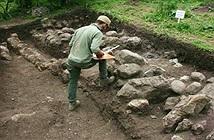 Nhiều cổ vật đá hàng ngàn năm tuổi được tìm thấy ở nghĩa trang Bắc Iran