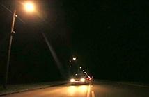 Đèn đường tự bật khi phương tiện đến gần