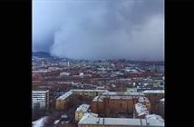 """Bão tuyết """"nuốt chửng"""" thành phố Siberia trong cái lạnh -50 độ C"""