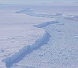 """Phát hiện """"thành phố băng trôi"""" khổng lồ ở Nam Cực"""