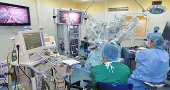BV Nhi TƯ ứng dụng robot phẫu thuật nội soi