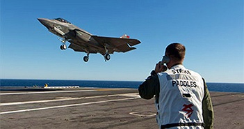 """F-35 lại """"phải gọi cứu trợ"""" khi bay thử nghiệm"""
