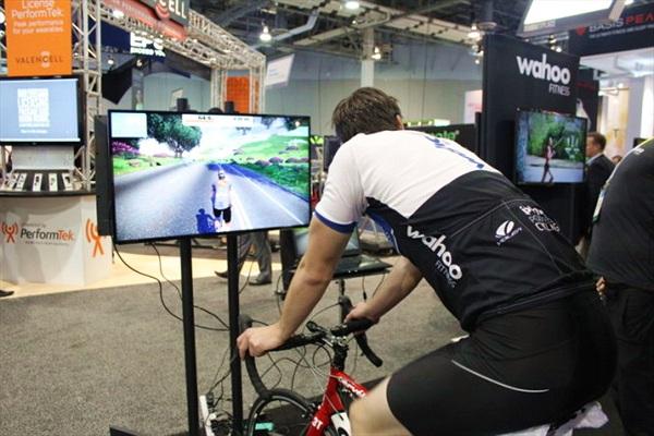 [CES 2015] Xe đạp ảo giúp tập hăng say hơn