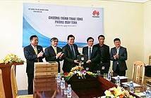 Huawei Việt Nam tặng phòng máy tính cho Nghệ An và Lai Châu