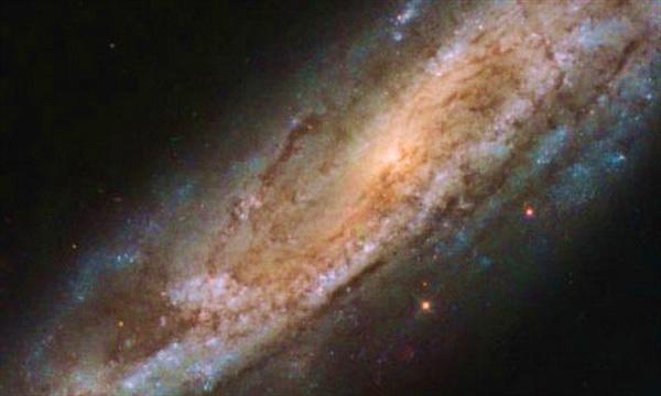 Ảnh đáng kinh ngạc, tuyệt đẹp chụp thiên hà NGC 2770