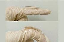 Lá vàng giúp sạc điện thoại bằng cách gập ngón tay