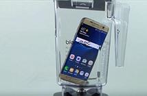 Galaxy S7 edge lại gặp hạn với máy xay sinh tố