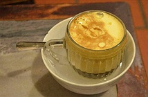 Cafe pha với than hồng, cafe trứng và những món cafe độc đáo nhất thế giới
