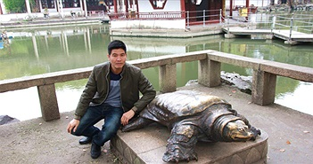 Quây lưới phát hiện rùa Hồ Gươm khổng lồ ở Sơn Tây