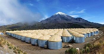 Từ đỉnh núi lửa tại Mexico, các nhà vật lý học cố chứng minh có thứ bay nhanh hơn ánh sáng