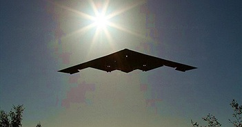 [ẢNH] Máy bay ném bom B-2 Mỹ tung hoành ở châu Âu