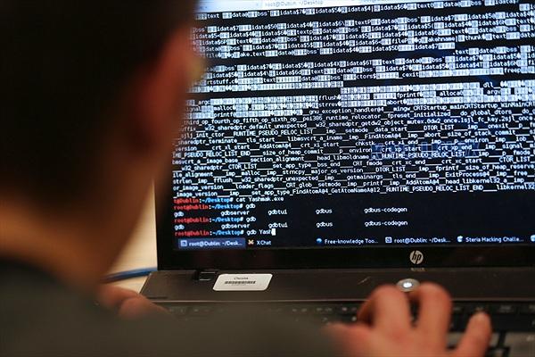 Nga bắt 50 tin tặc trộm hơn 25 triệu USD từ ngân hàng