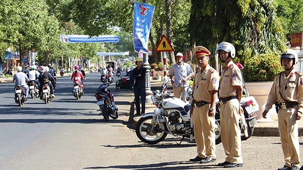 """7 lỗi xe máy bị phạt """"cực nặng"""" tại Việt Nam"""