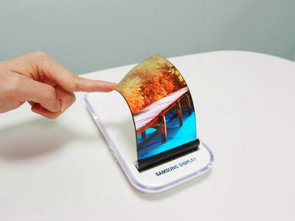 Sếp Samsung hi vọng sẽ có điện thoại gập lại được vào năm 2018
