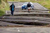 Động đất xẻ nát đường ở New Zealand