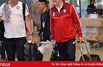 Cầu thủ UAE dùng iPhone 11 Pro Max, AirPods và đồ hàng hiệu