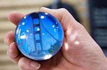 Quả cầu pha lê này có thể hiển thị video 360 độ bên trong y như quả cầu tiên tri