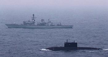 Tuyên bố đánh chặn tàu ngầm Kilo, người Anh đang mơ ngủ