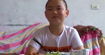 Kỳ lạ cậu bé ăn 5 lần/ngày... hóa ra vì điều trân quý