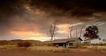 """""""Thị trấn ma"""" ở Úc, nơi việc thở cũng có thể gây chết người"""